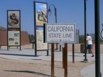Государственная граница Калифорнии Стоковые Фотографии RF