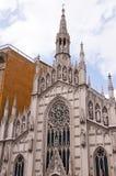 Готическая церковь на банках реки Тибра в Риме Италии Стоковые Изображения