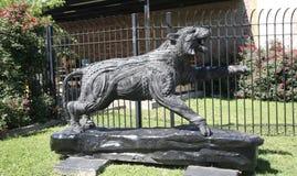 Готическая черная статуя тигра Стоковые Фотографии RF