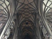 Готические своды, St Stephen & x27; церковь s, центр города вены, Австрия Стоковая Фотография