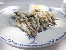 Готовое блюдо сардины espeto Стоковые Фотографии RF