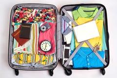 Готовый чемодан для путешествовать Стоковые Фото