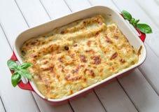 Готовый cannelloni шпината и сыра Стоковые Фотографии RF