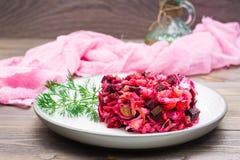 Готов-к-съешьте закуску - часть vinaigrette на плите стоковое изображение rf