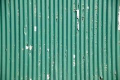 гофрировано ограждающ зеленый утюг стоковые фотографии rf