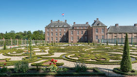 Голландский барочный сад дворца уборной в Апелдорне Стоковые Изображения RF