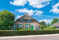 голландский сельский дом стоковая фотография rf