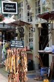 Голландский touristic магазин, Делфт, Нидерланды стоковые изображения rf