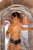 2 года старого мальчика на waterpark Стоковое Изображение