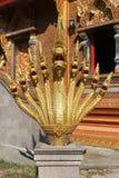 9 головных naga установили на лестнице в тайском виске Стоковые Фотографии RF