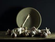Головы чеснока в шаре Стоковая Фотография