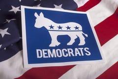 Голосование избрания Демократ и американский флаг Стоковое Изображение