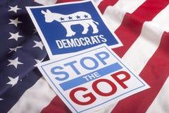 Голосование избрания Демократ и американский флаг стоковая фотография