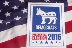 Голосование избрания Демократ и американский флаг стоковое изображение rf