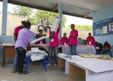 Голосование подсчитывая на всеобщих выборах Восточного Тимора в 2012 Стоковое Фото