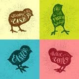 Год сбора винограда вектора пасхи установил с фразой и цыпленоками стоковые фотографии rf