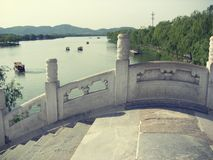 Год сбора винограда моста летнего дворца Пекина Стоковое фото RF