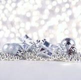 год снежинки тесемки s украшений рождества шарика новый серебряный Стоковые Фотографии RF