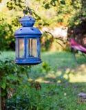 Голубая лампа свечи сада Стоковая Фотография