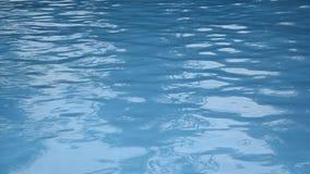 голубая вода бассеина Абстрактная видео- текстура сток-видео