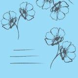 Голубая карточка с нарисованными вручную цветками Стоковая Фотография
