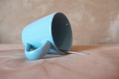 Голубая кофейная чашка цвета Стоковые Изображения RF