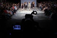 голубая подкраска выставки фотографа вспышки способа Стоковое фото RF
