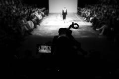 голубая подкраска выставки фотографа вспышки способа Стоковые Фото