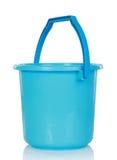 голубая пластмасса ведра стоковые фото