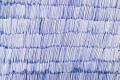 Голубая ручка шариковой авторучки на белой бумаге Стоковые Фотографии RF