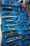 Голубая стена хранения для инструментов Стоковые Фотографии RF