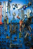 Голубая стена хранения для инструментов Стоковая Фотография RF