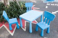 голубая таблица стулов Стоковое Изображение RF