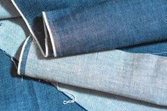 голубая текстура джинсыов джинсовой ткани Стоковые Фото
