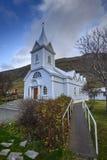 Голубая церковь в Seydisfjordur Стоковые Изображения RF