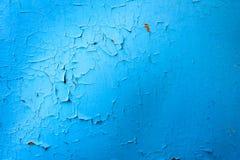 Голубая Buckling краска на металле Стоковые Фотографии RF