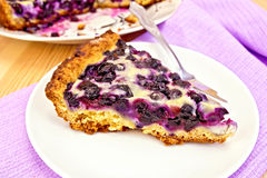 Голубика пирога в плите на борту Стоковое Фото