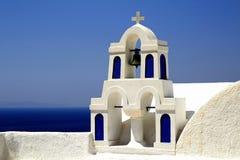 Голубое и белое здание Santorini Стоковые Изображения RF