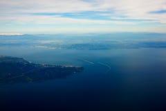 Голубое море и красивая предпосылка неба вечера с космосом экземпляра для ваших текстового сообщения или выдвиженческого содержан стоковые фото