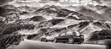 Голубое небо и автомобиль Стоковое Изображение