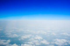 Голубое небо и горизонт Стоковые Изображения