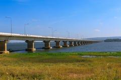 голубое небо моста Стоковые Изображения