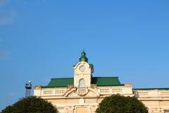 Голубое небо над вокзалом в Ivano-Frankivsk Стоковое фото RF