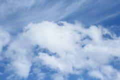 голубое небо облака Красочное яркое Стоковые Фото