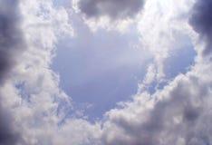 Голубое небо - облака стоковые изображения rf