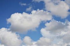 голубое небо облака Стоковые Изображения RF