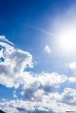 Голубое небо с обоями предпосылки облаков Стоковые Фотографии RF