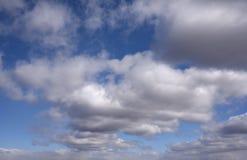 Голубое небо с облаками 14 Стоковое Изображение RF