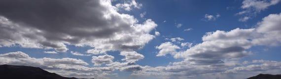 Голубое небо с облаками 14 Стоковые Изображения