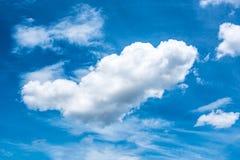 Голубое небо с облаком на времени дня Стоковая Фотография